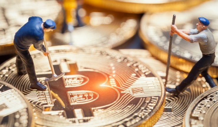 Fidelity Acquires 10% Stake in Bitcoin Mining Firm Hut 8 1