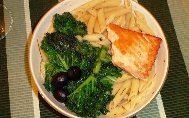 Salmon pasta kale bowl