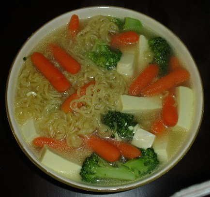 Ramen noodles with vegetables and tofu