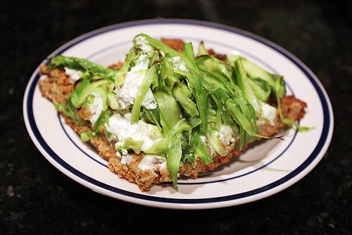 130421_asparagus pizza 7