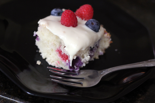 berry yogurt cake 10
