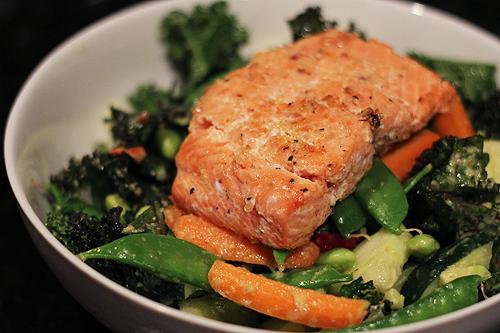kale salmon salad 8