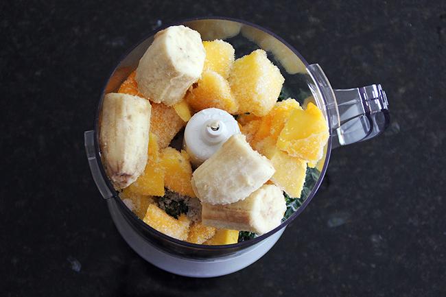 140428_mango spinach smoothie 1