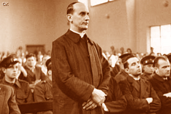 Alojzije_Stepinac_on_trial