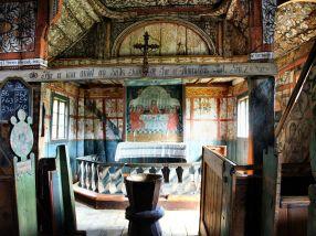 Crkva je izgrađena u 12. stoljeću i to na temeljima prethodne crkve iz 11. stoljeća. U srednjem je vijeku proširena, a u 18. stoljeću dobila je križni tlocrt.