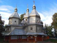 Po svemu netipična huculska crkva izgrađena je u drugoj polovici 18. st. i prema predaji podigao ju je huculski odmetnik Grigor Meljnik, čiji se grob iz 1822. god. nalazi u crkvenom groblju. Njezin petokupolni oblik se više temelji na arhitekturi istočne Ukrajine i danas pripada Ukrajinskoj pravoslavnoj Crkvi.
