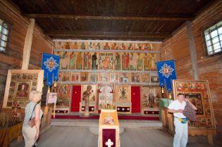 Prva crkva koja je podignuta poslije požara u 17. stoljeću je crkva posredovanja Bogorodice iz 1694. godine koja je bila u funkciji i grijana tijekom cijele godine. Godine 1764. obnovljena je i poprimila je današnji oblik s devet kupola. Iznutra je ukrašena ikonama lokalnih umjetnika iz 17. i 18. stoljeća.