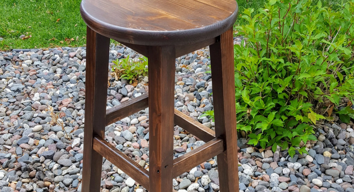 DIY Basic Bar Stool