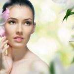 5 Tips Perawatan Kulit agar Selalu Cantik, Sehat & Awet Muda