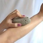 Apa itu Batu Apung? Ketahui 6 Manfaatnya untuk Kecantikan Kulit