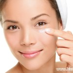 5 Tips Perawatan Kulit Sekitar Mata agar Tetap Kencang & Elastis