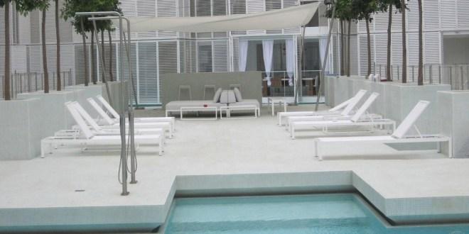 20121004160752_El-patio-blanco-Ibiza-2