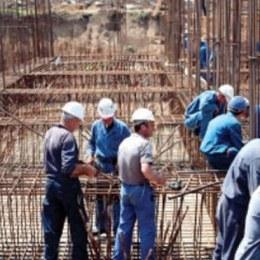 """Firmele din construcții: """"Forţa de muncă plătită cu salarii mici va continua să plece"""""""