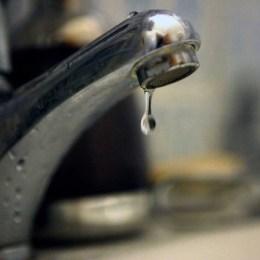 """Solicitare """"de campanie"""": preţ mai mic pentru metrul cub de apă şi canalizare, la Braşov"""