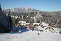 Pârtia Clăbucet din Predeal se deschide în weekend pentru schiori. În Poiana Brașov, pârtiile sunt neamenajate