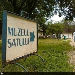 Singurul muzeu în aer liber din Braşov este în pericol de a fi desfiinţat, după ce a rămas fără teren