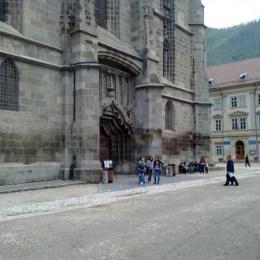 180 de elevi vor cânta colinde la Biserica Neagră