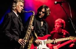 Dire Straits cântă vineri la Sala Sporturilor