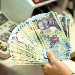 La Brașov, din 20 de lei luați credit de la bancă, un leu se întoarce mai greu la bănci