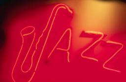 Jazz Radio a câștigat licența FM scoasă la concurs de CNA la Brașov, primul oraș în care va emite