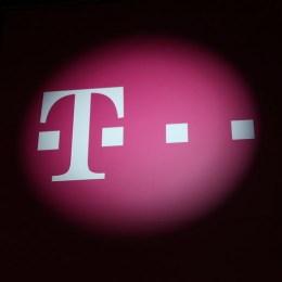 """Telekom vrea să """"spargă"""" piaţa cu o ofertă nebunească: internet nelimitat 4G fără limită de trafic la toate abonamentele, chiar şi pentru conţinut video"""