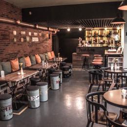 FOTO Pub-ul în care te simţi ca într-o uzină din Epoca de Aur. Conceptul 100% autohton va fi replicat în centrul oraşului sau într-un mall