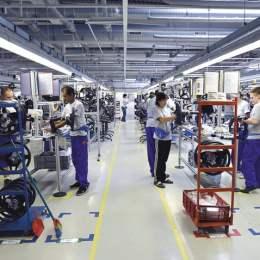 Brașovenii de la Moveos deschid luna viitoare o fabrică de centuri de siguranță la Rovinari