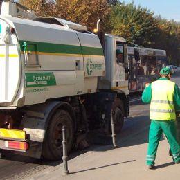 Contract de aproape 5 milioane de lei pentru curățenia de pe străzile din jumătate de Brașov, în următoarele 9 luni