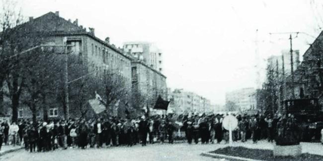 31 de ani de la 15 Noiembrie 1987: Doi dintre urmașii comuniștilor de frunte care i-au abuzat fizic și psihic pe protestatari sunt acum plătiți din banii noștri