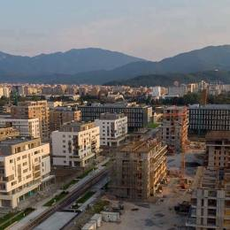 Prețurile locuințelor noi au sărit de 1.100 de euro pe metrul pătrat. Într-un an, apartamentele s-au scumpit cu aproape 100 de euro/mp