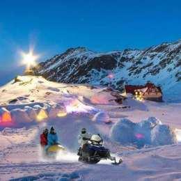 Singurul hotel de gheață din România nu se mai construiește. A fost prea cald, astfel că nu a existat materie primă