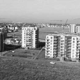 """VIDEO #""""Recoltă record"""" de locuințe în cel de-al treilea trimestru. Oamenii muncii de pe șantierele județului lucrează zi și noapte pentru îndeplinirea planului cincinal"""