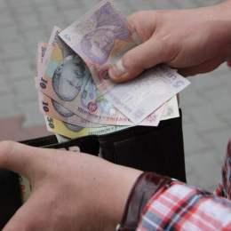 Guvernul anunță că salariul minim brut ar putea crește de anul viitor cu 150 de lei. Pe net, creșterea ar fi de doar 87 de lei