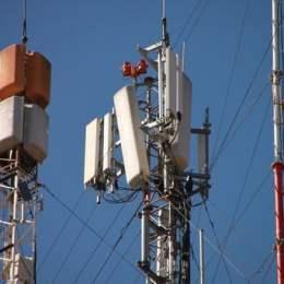 Rețelele liderului pieței de telefonie mobilă în România au picat, după ce fibra optică a fost afectată