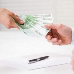 Sumele mai mici de 50.000 de lei, transferate în mai puțin 10 secunde printr-un nou serviciu oferit de Banca Transilvania și CEC