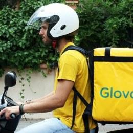 Glovo și-a mărit echipa oferindu-le curierilor bonusuri în caz de frig sau ploaie, dar și dacă sunt mai harnici