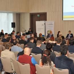 """16 experți naționali și internaționali vor dezbate sectorul energetic românesc, vineri, în cadrul conferinței """"Ziua Energiei Brașov"""""""