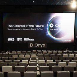 Cinema One din Coresi Shopping Resort va fi primul cinematograf din Europa de Est care va fi dotat cu Samsung Onyx, ultima tehnologie a coreenilor în domeniul imaginii