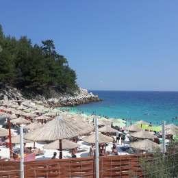 Cât plătim pentru un sejur la mare, vara aceasta, pe litoralul românesc, în Bulgaria sau în Grecia