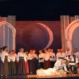 """Lucrarea impresionantă """"Lucia di Lammermoor"""" și concertul inedit susținut de Anatoly, pe scena Operei Brașov"""