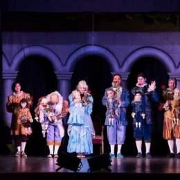 Teatrul Arlechino serbează Ziua Culturii Naționale cu activități speciale, inclusiv un tur ghidat de actori