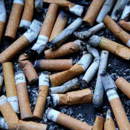 STUDIU Un chiștoc stins este la fel de nociv precum fumul eliminat de o țigară aprinsă