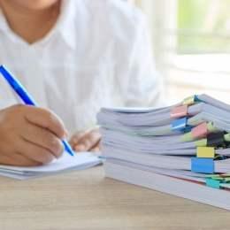 Examenul de Titularizare: Aceeași variantă de subiecte extrasă timp de 4 ani la rând și o eroare în baremul probei scrise pentru Limba franceză