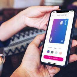 Revolut își modifică aplicația mobilă. Compania vrea să devină o platformă financiară globală