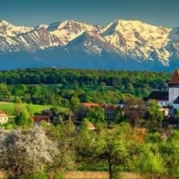 Bloggerii români au declarat Țara Făgărașului ca fiind destinația turistică a anului 2020 din România
