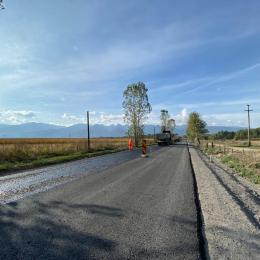 CJ Brașov va solicita o finanțare de 2,3 milioane de lei pentru a proiecta modernizarea a trei drumuri județene din zonele Săcele, Teliu, Hărman și Vulcan