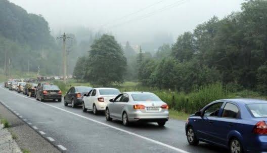 Opt oferte pentru realizarea unor pasaje rutiere la Sinaia şi Predeal