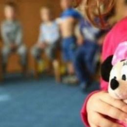 Poliția a deschis o anchetă în orfelinatele Brașovului, după ce un copil a povestit drama prin care trec cei aflați în plasament