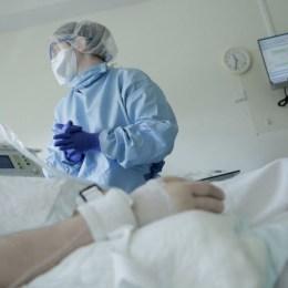 O treime din cazurile de COVID-19 de săptămâna trecută s-au înregistrat în Brașov, București, Cluj, Constanța și Iași