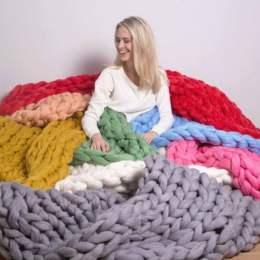 Investiție de 39.000 de euro într-un atelier de produs perne, pături și pulovere dintr-un fir de lână gigant